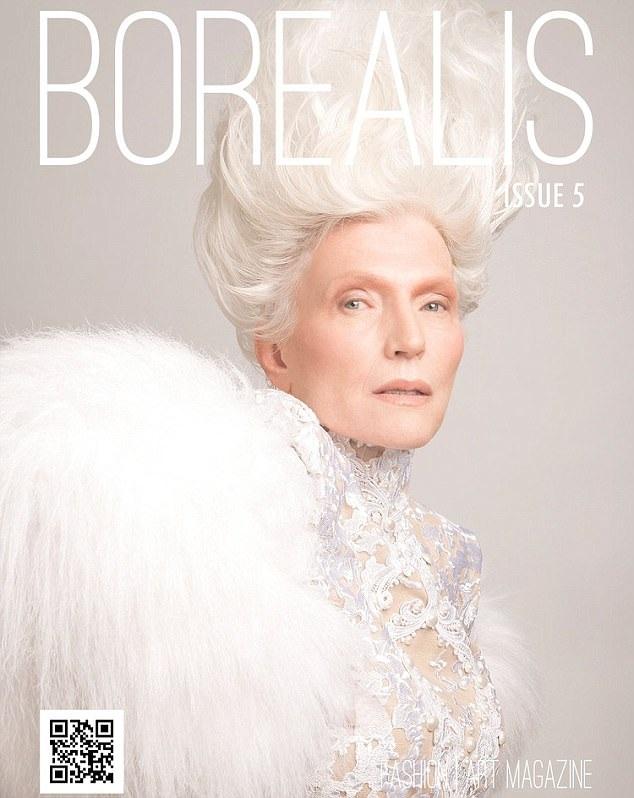 Bà Maye chính là mẹ của tỷ phú công nghệ nổi tiếng Elon Musk. Trong sự nghiệp người mẫu của mình, bà đã xuất hiện trên trang bìa nhiều tờ tạp chí.