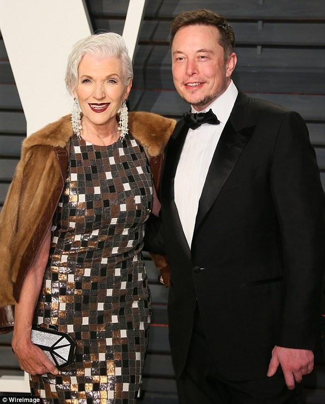 Bà Maye và con trai cả - tỷ phú Elon Musk.