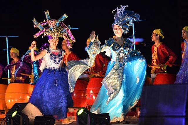 Đà Nẵng sôi động kỳ nghỉ lễ 30/4 - 1/5 và mùa du lịch biển 2017 - 1