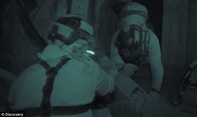 Mỗi tập phát sóng sẽ theo chân 3 người chơi trong vòng 6 ngày lần mò trong hang động, xem cách họ tìm được nhau và cùng nhau tìm ra lối thoát.