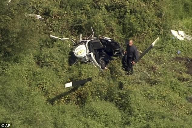 Người phi công thiệt mạng ngay sau vụ việc. Nhân viên cứu hộ đã cố gắng đưa nam ca sĩ Gentry tới bệnh viện nhưng anh đã qua đời trên đường di chuyển.