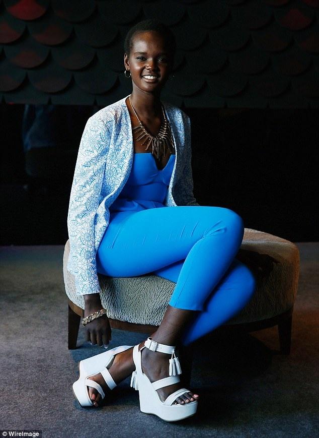 Nhan sắc gốc Nam Sudan chia sẻ rằng cô hy vọng thành công trong sự nghiệp người mẫu của mình sẽ giúp phụ nữ da màu có tiếng nói mạnh mẽ hơn trong nền công nghiệp thời trang.