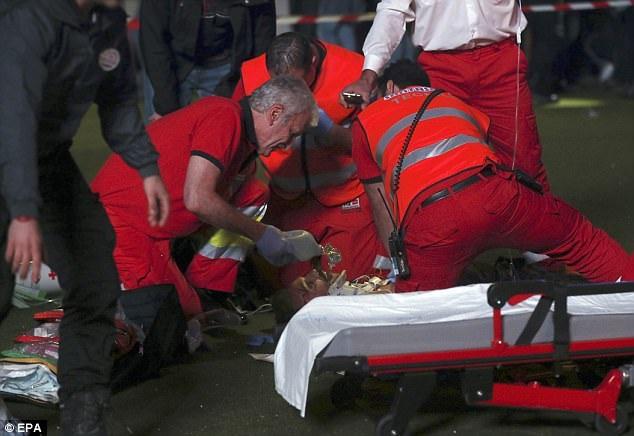 Nhân viên y tế ngay lập tức có mặt nhưng những vết thương quá nặng đã khiến mọi công tác cấp cứu đều không phát huy tác dụng.