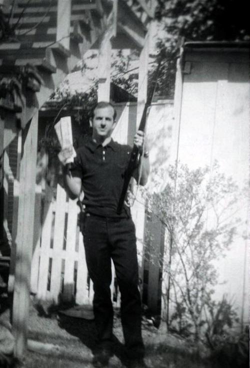 Lee Harvey Oswald, kẻ được cho là đã ám sát Tổng thống Kennedy