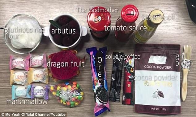 Đoạn clip gây sốt của Ms. Yeah cho thấy cô gái sử dụng toàn các món đồ thực phẩm để trang điểm và kết quả sau cùng cũng khá ấn tượng.