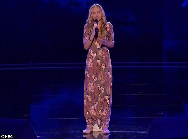 """Evie Clair gây ấn tượng với phần thể hiện ca khúc """"I Try"""""""