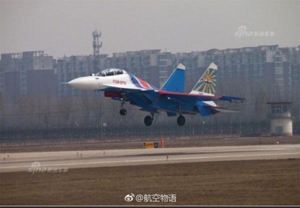 Hình ảnh phi đội Su-30SM dũng mãnh tại Nội Bài - 7