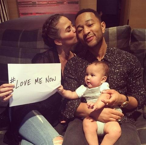 Nam ca sĩ John Legend dành cho con gái Luna niềm vui bất ngờ.