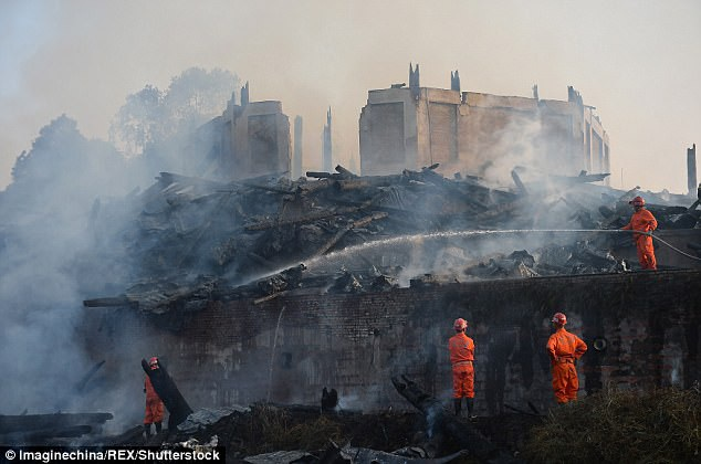 Khi ngọn lửa đã được giập tắt cũng là khi cả công trình đã bị thiêu rụi.
