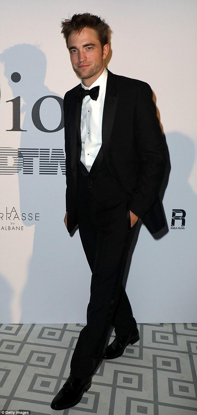 """Trong quá trình quay phim """"Good Time"""", nhiệm vụ của Pattinson là phải xuất hiện trên đường phố New York mà không khiến bất cứ ai nhận ra."""