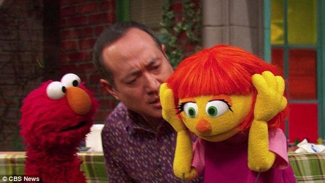 """Mục đích khi đưa nhân vật Julia vào """"Phố vừng"""" - một chương trình truyền hình giải trí gắn với những thông điệp giáo dục dành cho trẻ nhỏ, là để các em nhỏ theo dõi chương trình hiểu hơn về chứng tự kỷ qua góc nhìn trẻ thơ."""