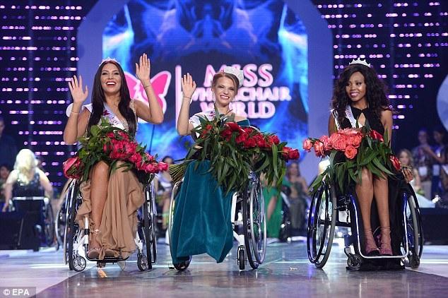 Ba người đẹp giành ngôi vị cao nhất tại cuộc thi.