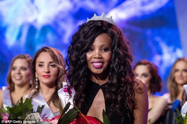 Á hậu 1 của cuộc thi - người đẹp Lebohang Monyatsi đến từ Nam Phi.