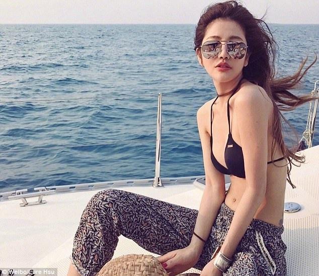 Trên mạng xã hội, Lure Hsu rất nổi tiếng và thu hút sự chú ý bởi vẻ đẹp trẻ trung không tuổi.