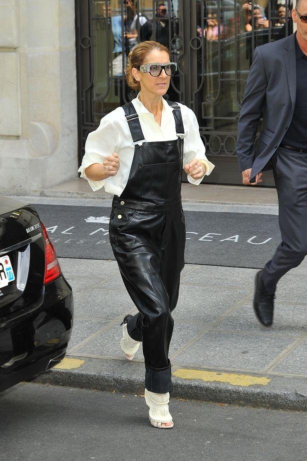 Celine Dion đang chứng tỏ sự táo bạo trong gu thời trang của mình.