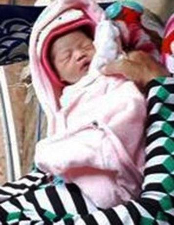 Đứa trẻ sơ sinh bị bỏ trôi sông