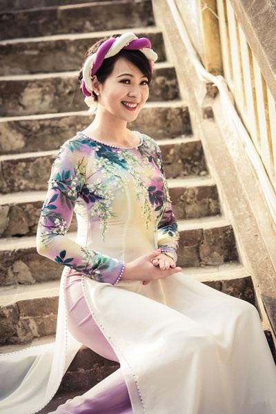 Vẻ đẹp mặn mà của Tô Hương Lan thời điểm hiện tại. Cựu Á hậu xinh đẹp sẽ tham gia trình diễn trong Để có một ngày của NTK Anh Thư và NTK Tiến Lợi.