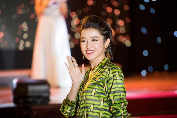 Á hậu Huyền My rạng rỡ sang Nhật Bản dự liên hoan phim quốc tế - 7