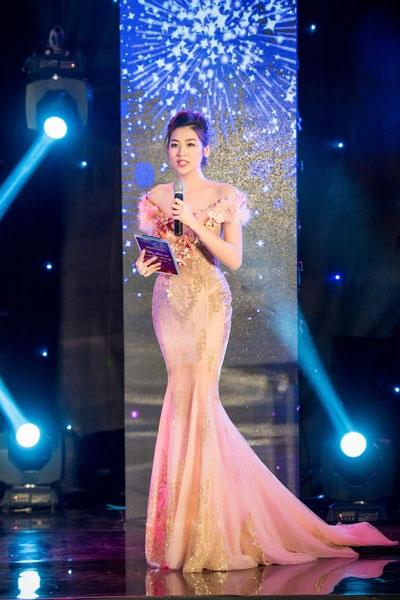 Á hậu Dương Tú Anh lộng lẫy trong vai trò MC - 8
