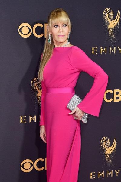 Người đẹp kiều diễm khoe sắc trên thảm đỏ lễ trao giải Emmy - 48