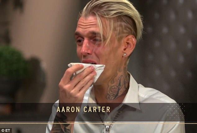 Aaron Carter bật khóc trên truyền hình khi trả lời phỏng vấn ngày 18/7 và khẳng định mình không hề say xỉn khi lái xe