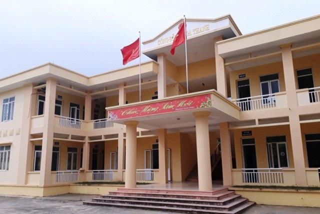 Người nhà cán bộ có tên trong danh sách hộ nghèo tại một địa phương của huyện Nga Sơn, Thanh Hóa