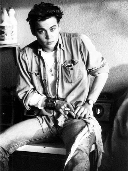 Johnny Depp năm 1987 - khi anh 24 tuổi