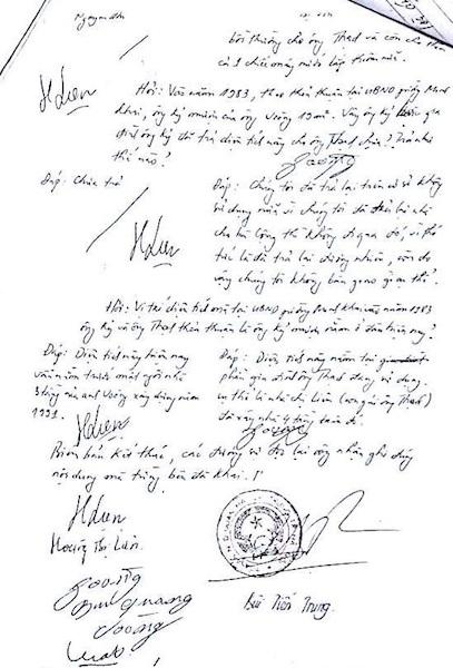 Biên bản đối chất về việc mượn đất giữa hai gia đình.