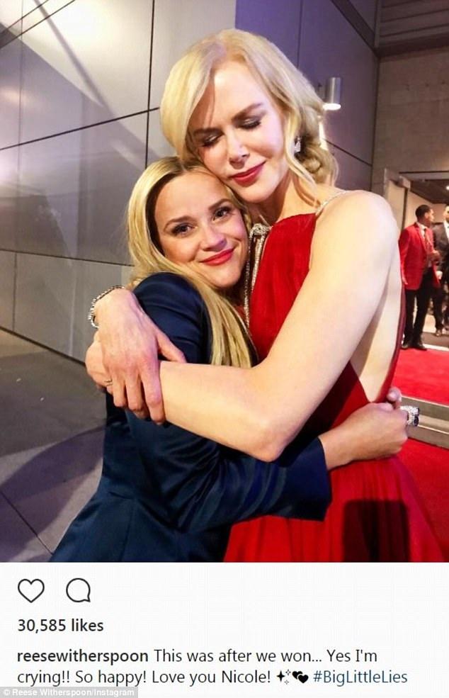 Reese và Nicole Kidman là trung tâm thu hút sự chú ý tại lễ trao giải Emmy ngày 18/9 vừa qua khi 2 nữ diễn viên từng được giải Oscar tham gia bộ phim Big Little Lies và Big Little Lies giành tới 8 giải thưởng quan trọng