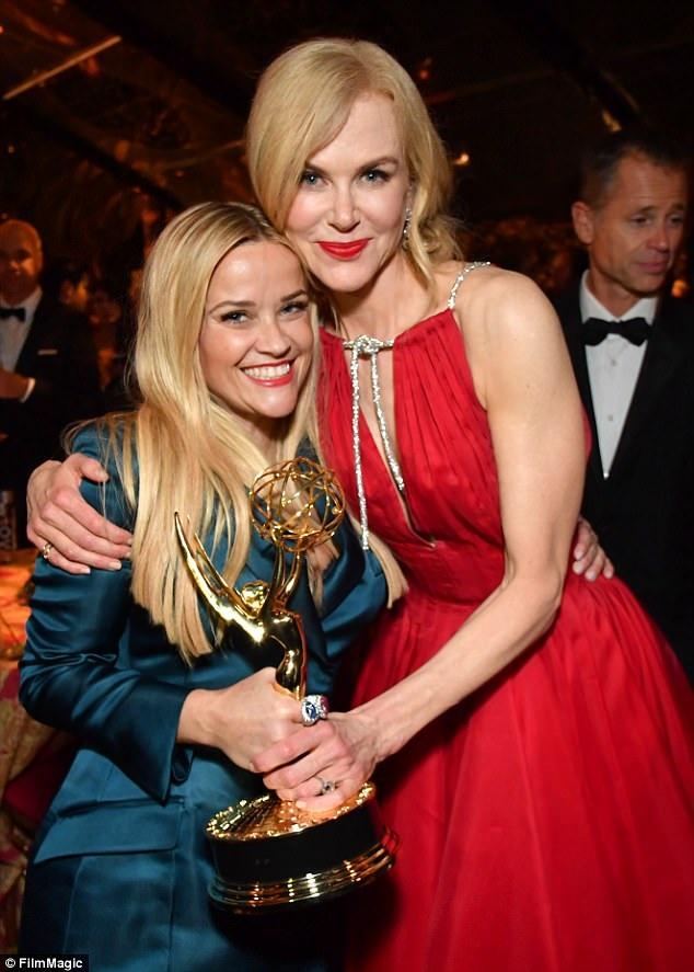 Big Little Lies giành giải phim truyền hình hay nhất khiến Reese Witherspoon - diễn viên và nhà đồng sản xuất của phim rất tự hào. Cô cũng chúc mừng nicole giành giải nữ diễn viên xuất sắc nhất