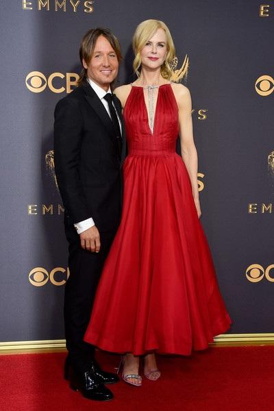 Ca sỹ Keith Urban rất cưng chiều vợ, anh thường xuyên hộ tống Nicole Kidman tham gia các sự kiện.