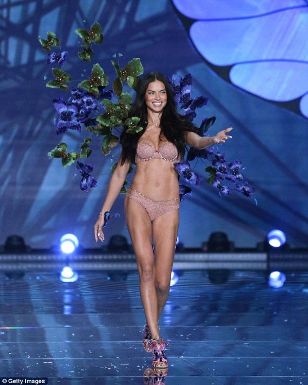 Người đẹp 36 tuổi từng được mệnh danh là gương mặt giá trị nhất của hãng Victorias Secret
