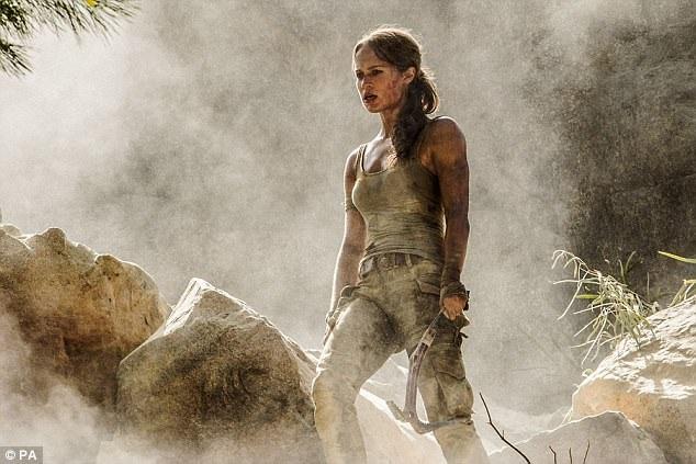 Tạo hình mạnh mẽ và gợi cảm của Alicia Vikander - nữ diễn viên từng giành giải Oscar