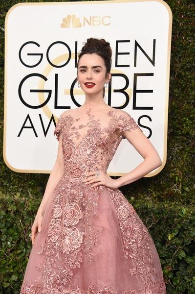 Lily Collins đẹp như công chúa trên thảm đỏ