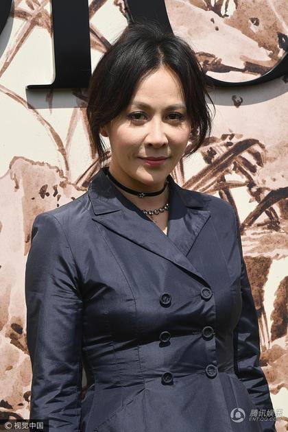 Lưu Gia Linh cũng là khách mời châu Á quen thuộc của các sự kiện thời trang quốc tế.