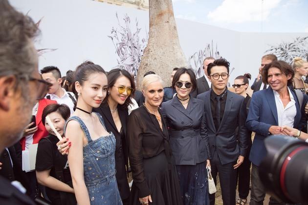 Angelababy, Chương Tử Di và Lưu Gia Linh hiện đang có mặt tại Pháp để tham dự tuần lễ thời trang Paris.