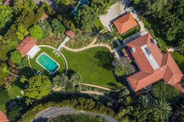 Ngôi biệt thự giá 19 triệu USD mà Angelina Jolie mới mua cho cô và các con.