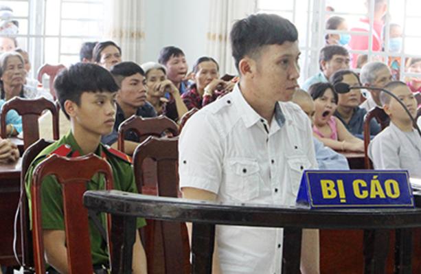 Bị cáo Dương Hoàng Long tại phiên xét xử