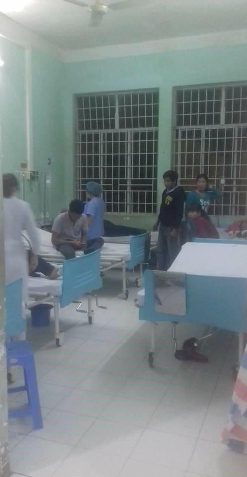 Các công nhân nhập viện điều trị tại Trung tâm y tế huyện Nhơn Trạch