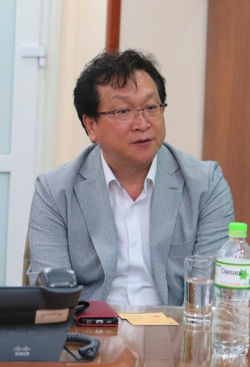 Dr Kim Sioh - Giám đốc Bệnh viện Đại học Quốc gia Kyungpook