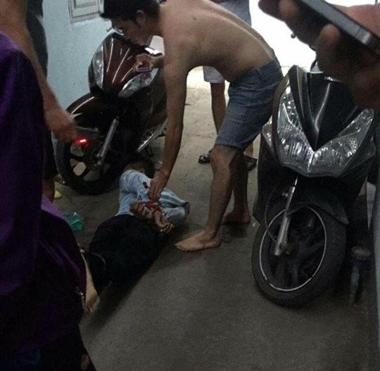 Đặng Hoàng Bé bị người dây bắt giữ.