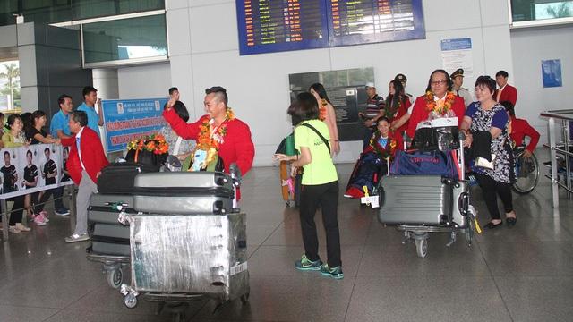 Đoàn thể thao Người khuyết tật Việt Nam về nước sau thành công tại Paralympic - 2