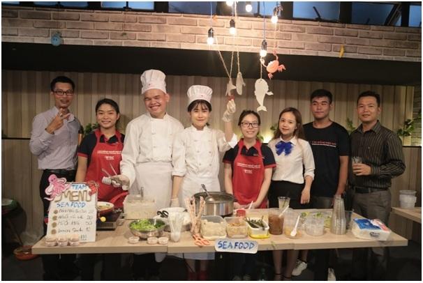 Gắn liền lý thuyết với thực hành, Trường Cao đẳng Việt Mỹ chú trọng gia tăng kinh nghiệm thực tế cho sinh viên.