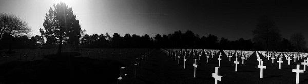"""Bức ảnh chụp một khu nghĩa trang của Nick Trombola (Mỹ) đã giành chiến thắng ở hạng mục ảnh """"Panorama""""."""