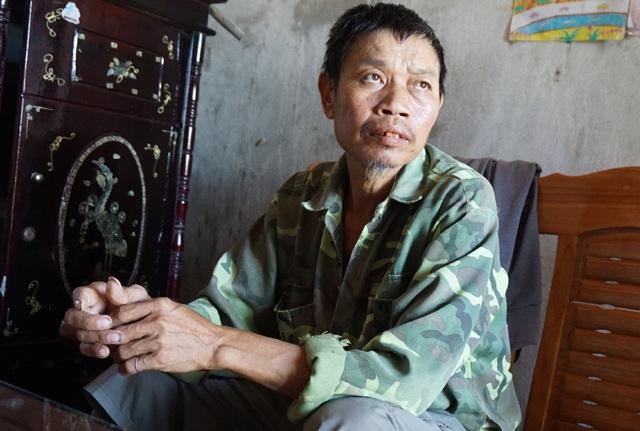 Mắc căn bệnh xơ gan cổ trướng, xuất huyết dạ dày, anh Nguyệt mất hết sức lao động, uống thuốc lá cầm cự cơn đau