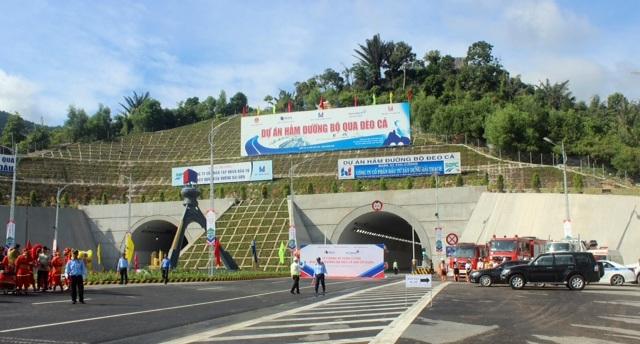 Chính thức thông xe hầm đường bộ hiện đại nhất Việt Nam - 8