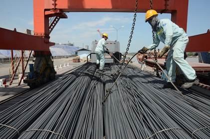 Nhờ lợi thế về cảng sông, thép Hòa Phát dễ dàng cung cấp tới các thị trường một cách nhanh nhất, giá thành cạnh tranh