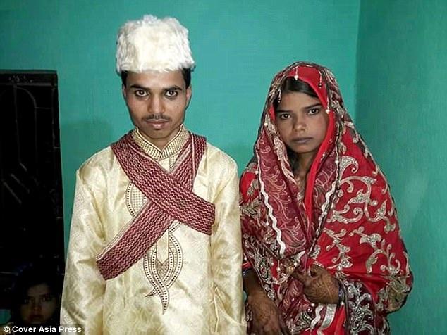 Cô dâu Rubana kết hôn cùng chú rể mới ngay trong tối hôm đó.