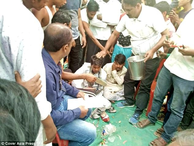 Ansari bị dân làng trừng phạt vì quá tham lam