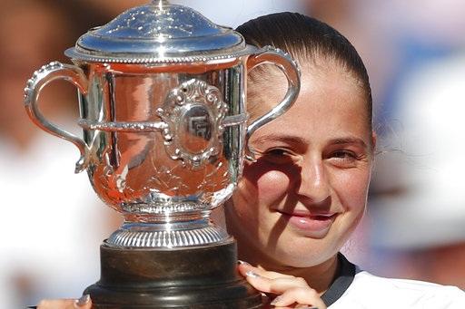 Ostapenko vô địch Roland Garros ở tuổi 20